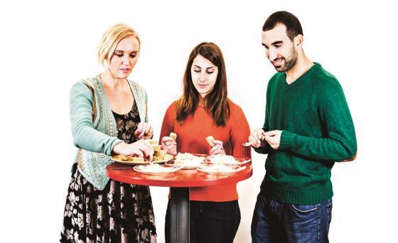 Aija Kuparinen, Hanan Sneih ja Wisam Abboud