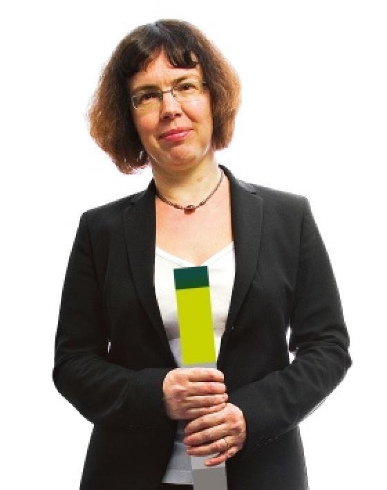 Kuvassa on Petra Lundström.