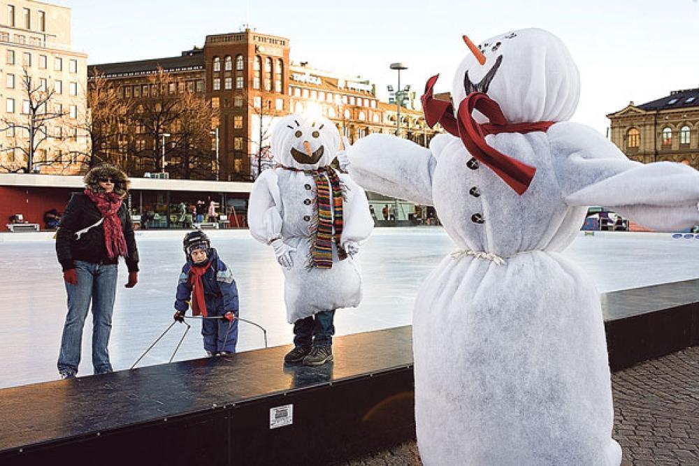 Lumiukko Helsingissä.