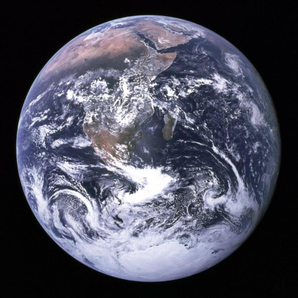 Apollo 17:n miehistön kuvaama maapallo.