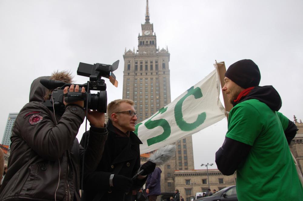 Mielenosoitus Varsovassa.