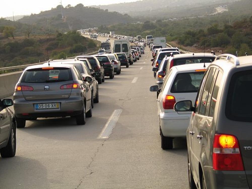 Autoja Portugalin Algarvessa.