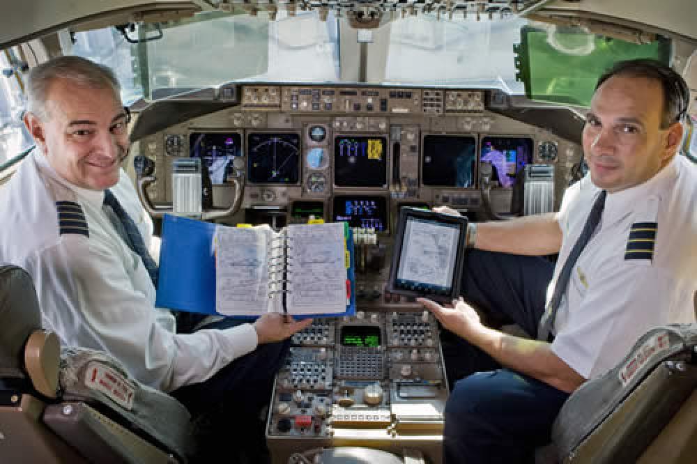 iPad ohjaamossa.