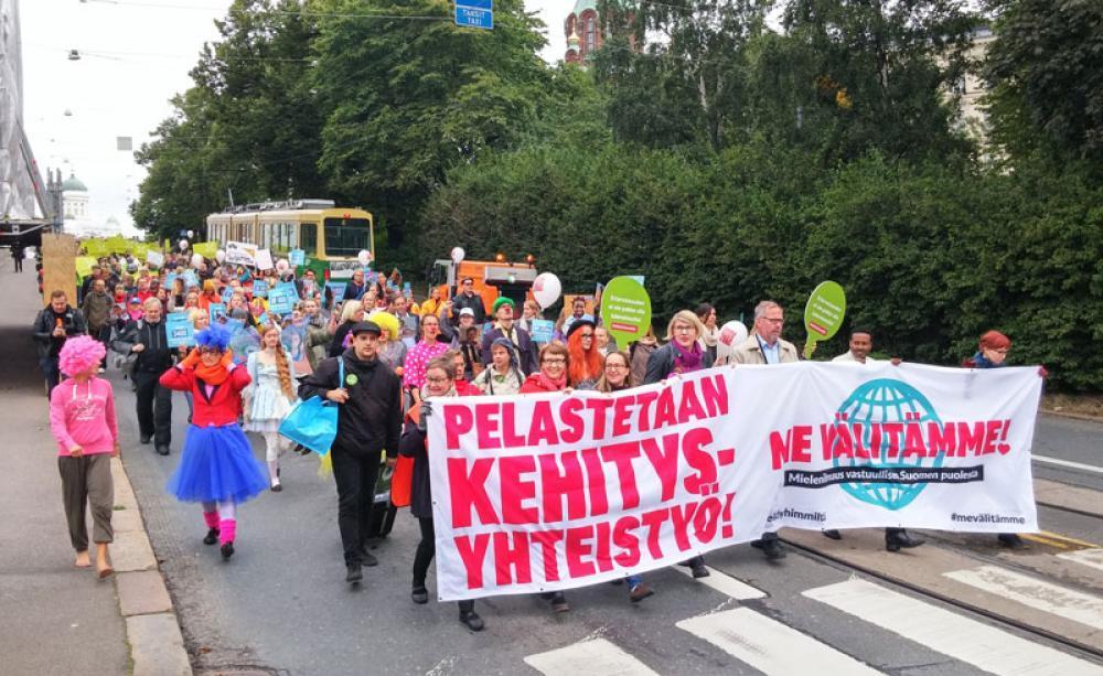 Leikkauksia vastustava mielenosoitus syksyllä 2015