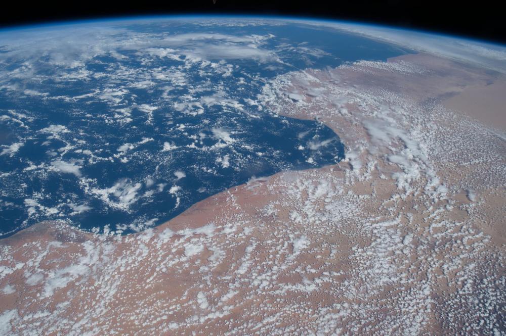 Merta ja aavikkoa