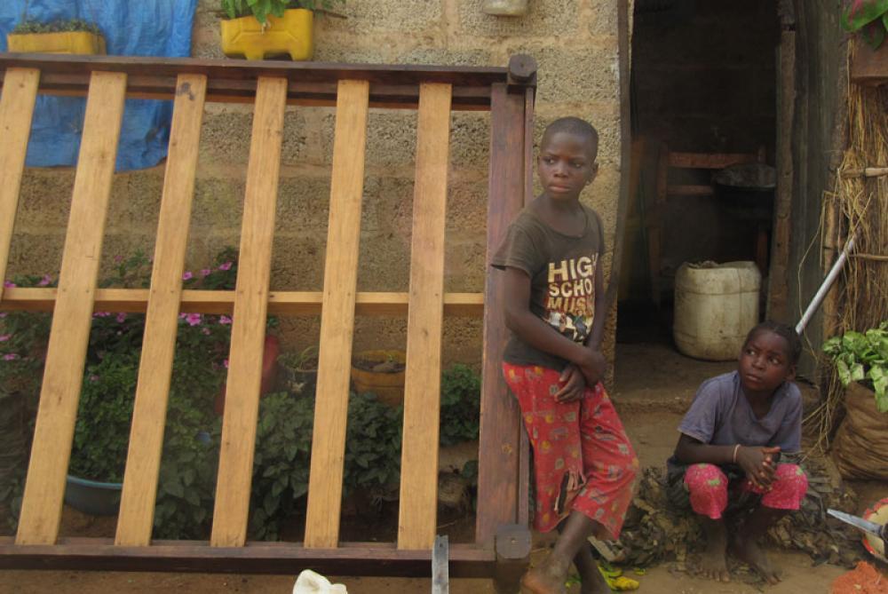 Kaksi sambialaista lasta