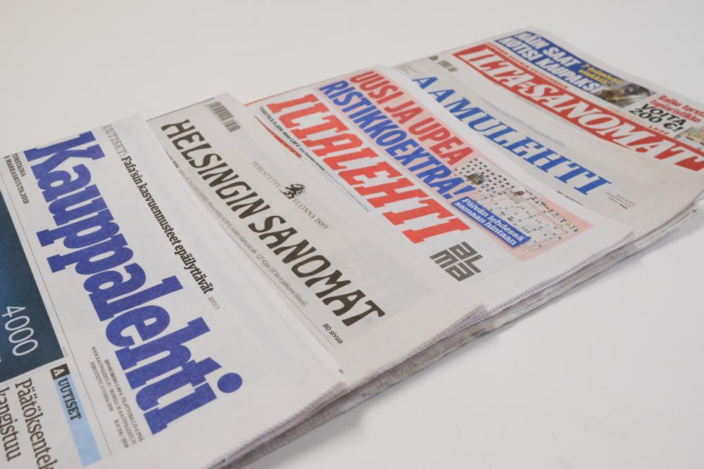 Sanomalehtiä