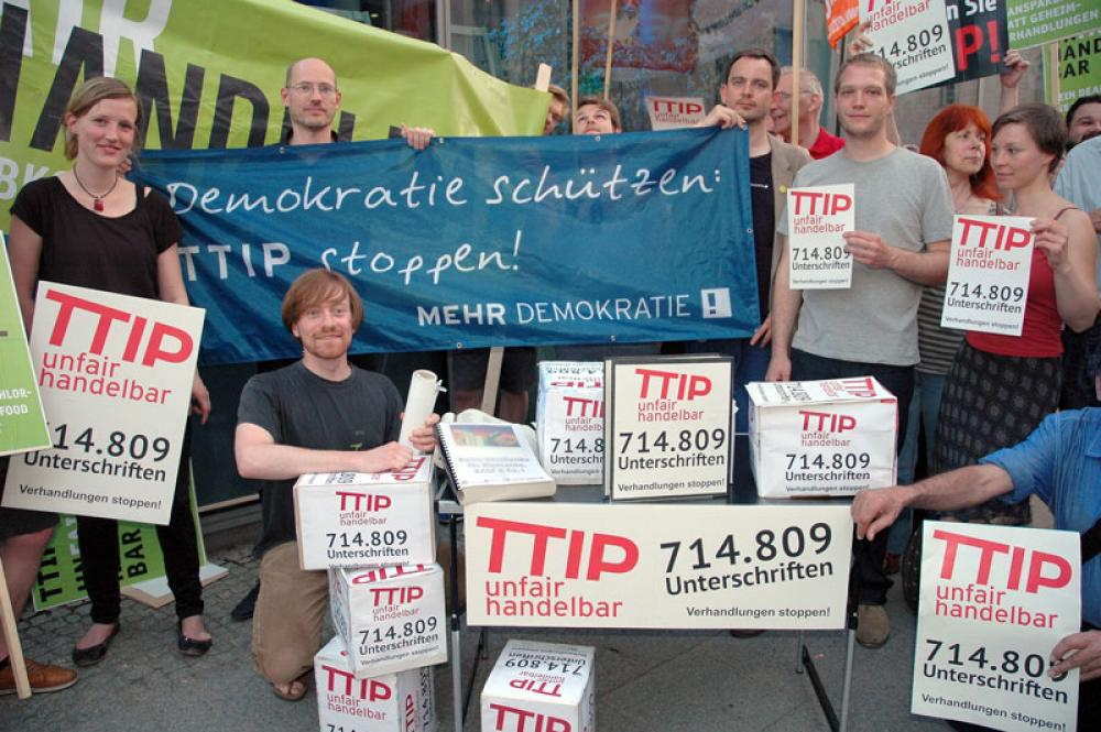 TTIP:n vastainen mielenosoitus Berliinissä