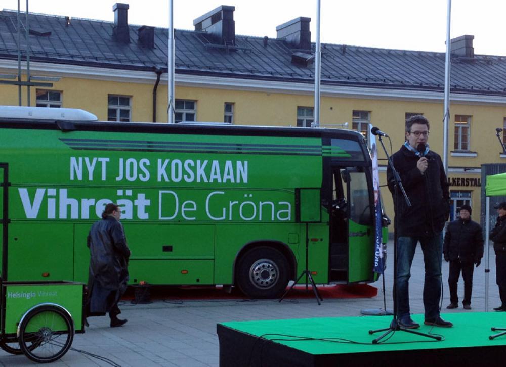 Vaalibussi ja Ville Niinistö