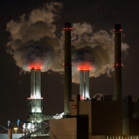 Päästöjä taivaalle