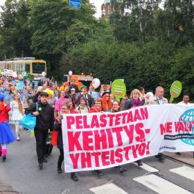 Mielenosoitus kehitysyhteistyön puolesta